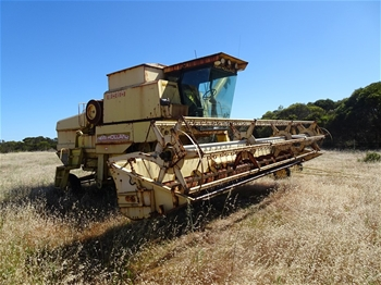 New Holland 8060 Harvester