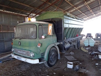 Bedford 4 x 2 Cab Chassis Truck