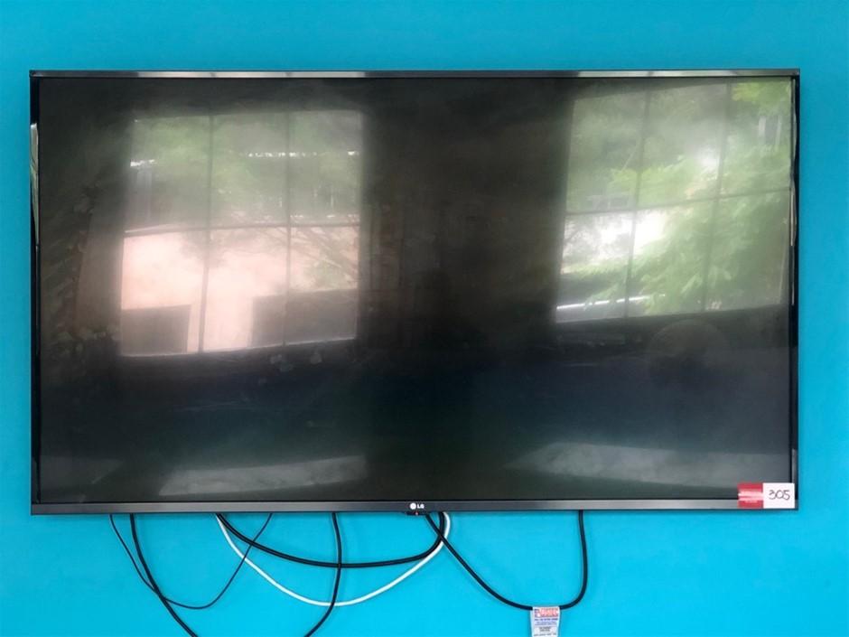 """LG 55"""" 139cm Smart Full HD LED LCD TV"""