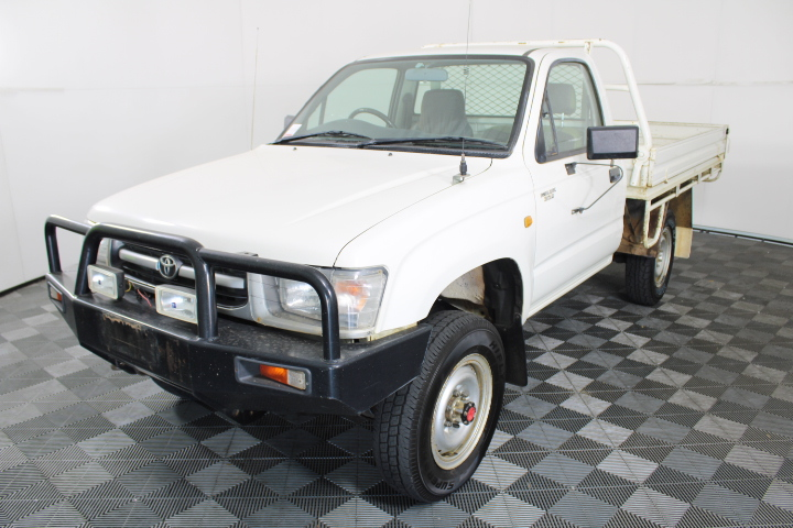 1998 Toyota Hilux (4x4) Manual 3.0 Diesel Cab Chassis 113,968 km's