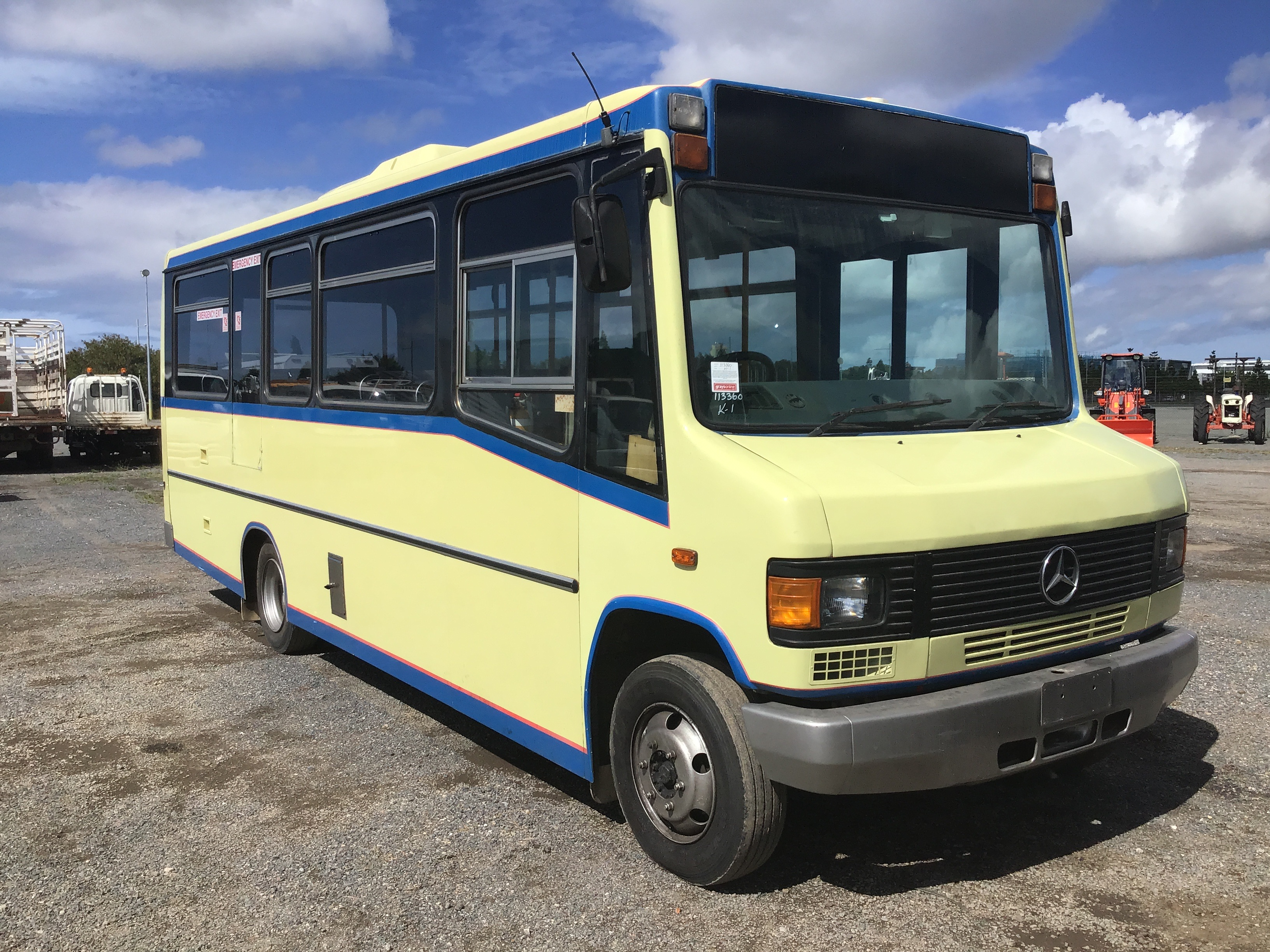 1995 Mercedes Benz L0 812/42 4 x 2 Bus