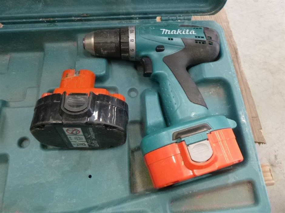 Makita Cordless Drill + 2 x Batteries