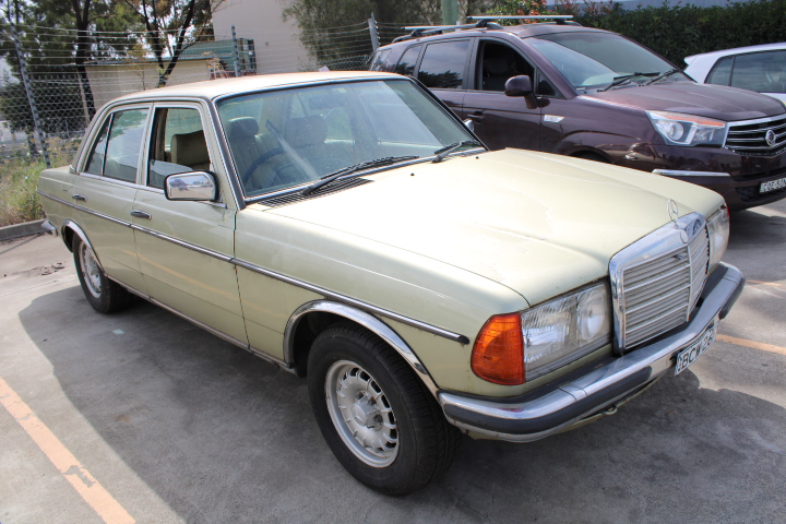 1983 Mercedes Benz 280E Automatic Sedan
