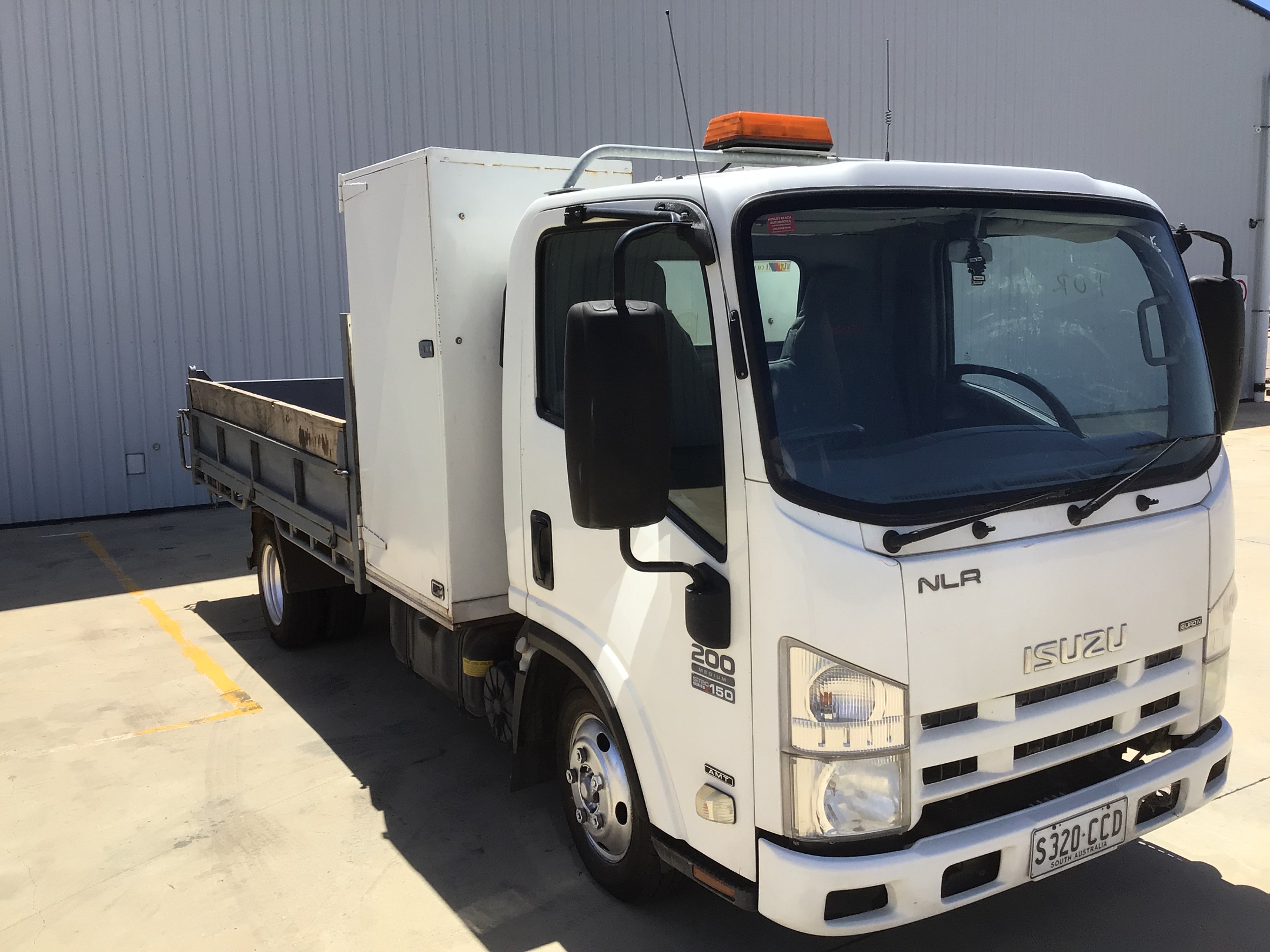 2010 Isuzu NRL 200 Medium 4 x 2 Tipper Truck