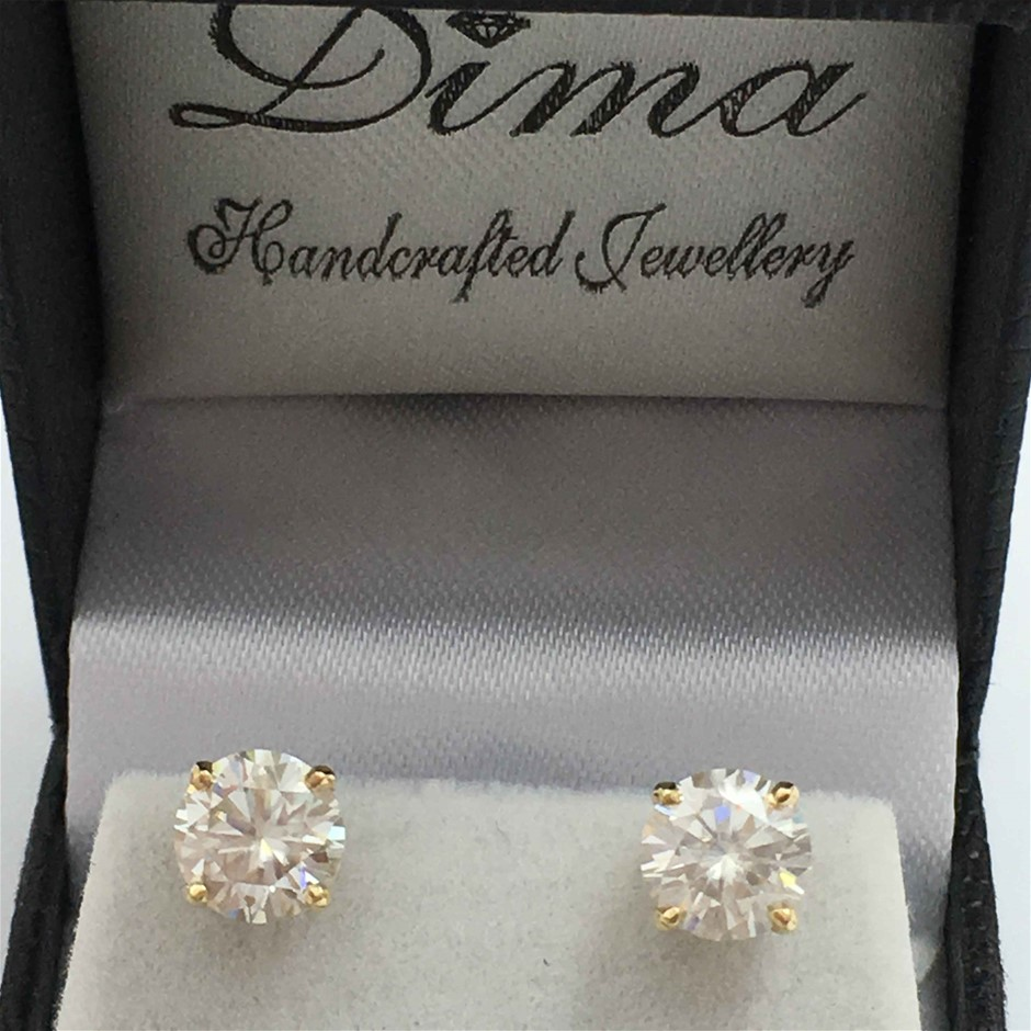 9ct Yellow Gold, 4.34ct Moissanite Earring