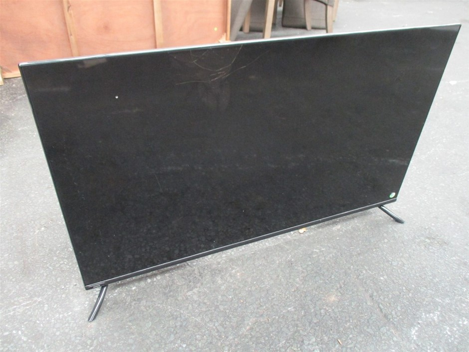 """Chiq U43H10 43"""" 4K UHD Smart Television"""