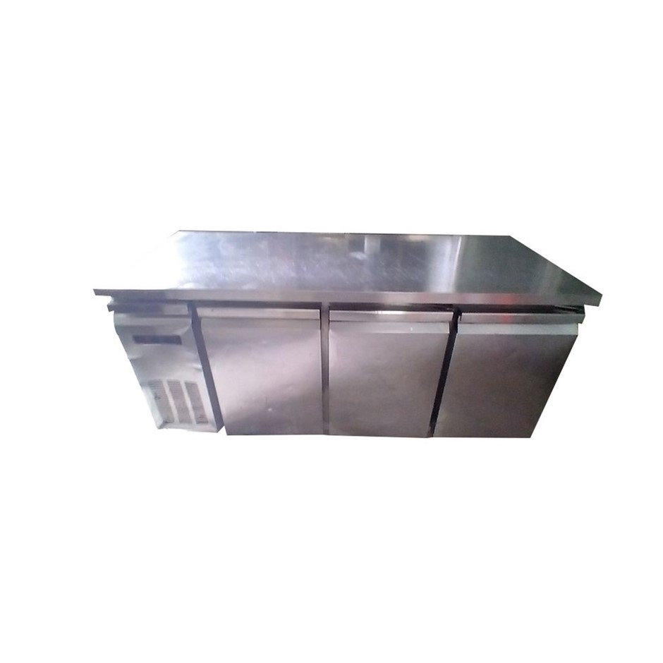 Stodard 3 Door Under Bar Fridge