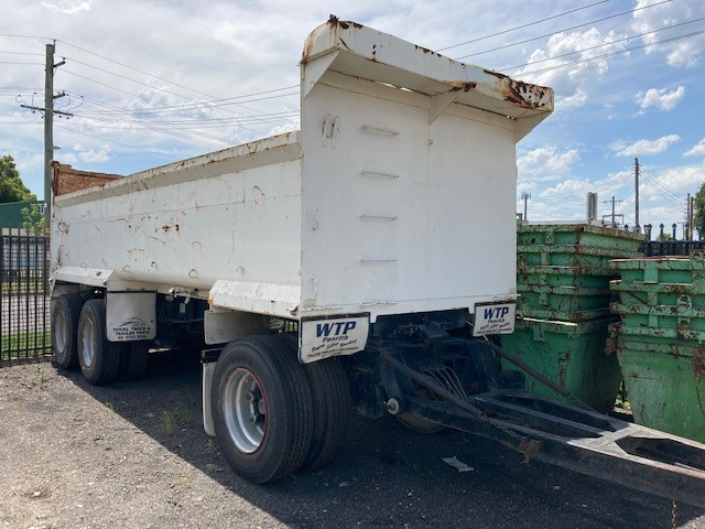 1999 Kembla Triaxle Dog Trailer