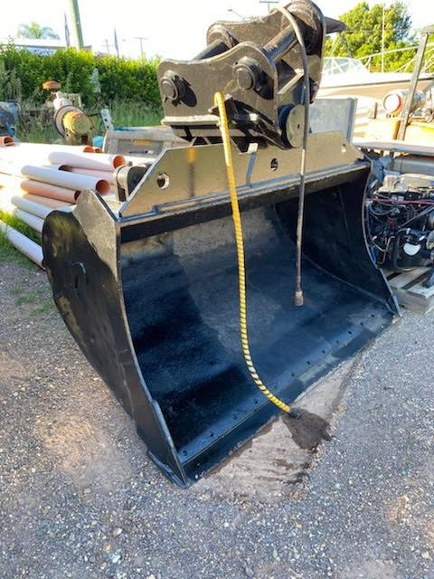 2100mm Jaws Tilting Bucket