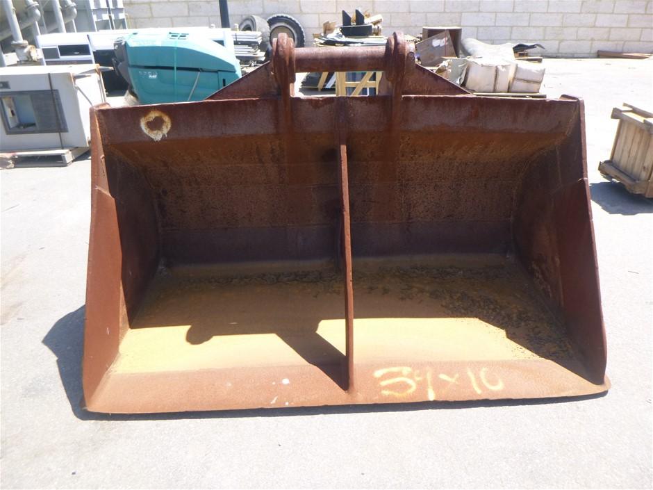Heavy Machinery Bucket