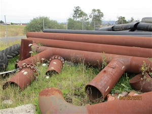 Large Qty of Heavy Steel Gas Pipe Sectio
