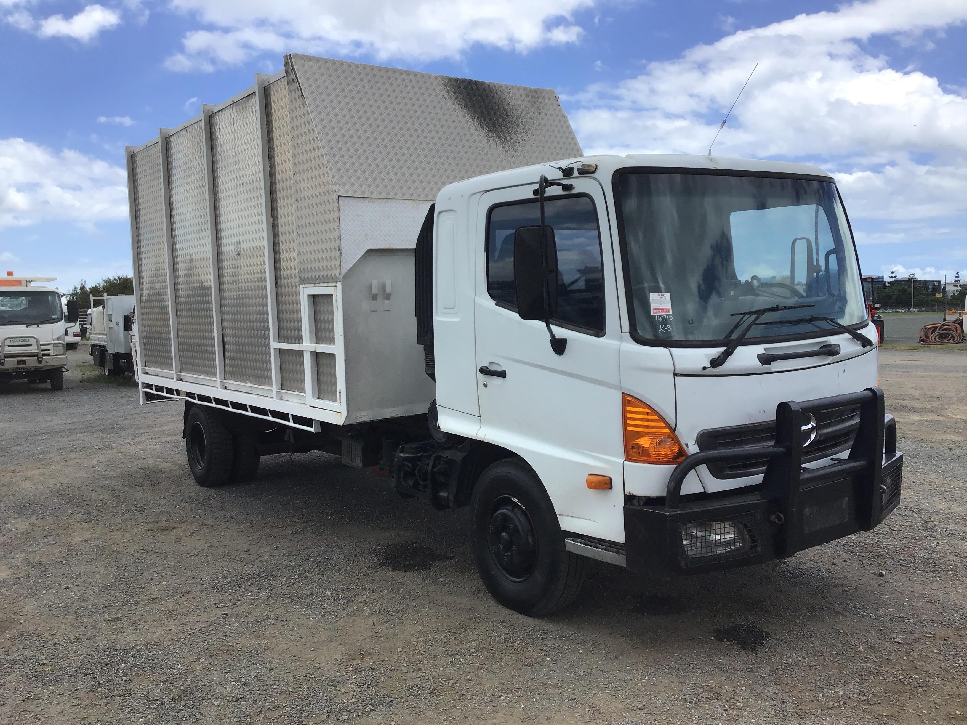 2003 Hino FD 4 x 2 Chipper Tipper Truck