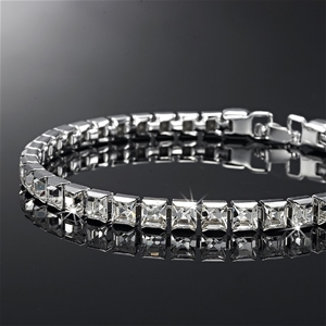 Tennis Bracelet Featuring 36 Crystals by