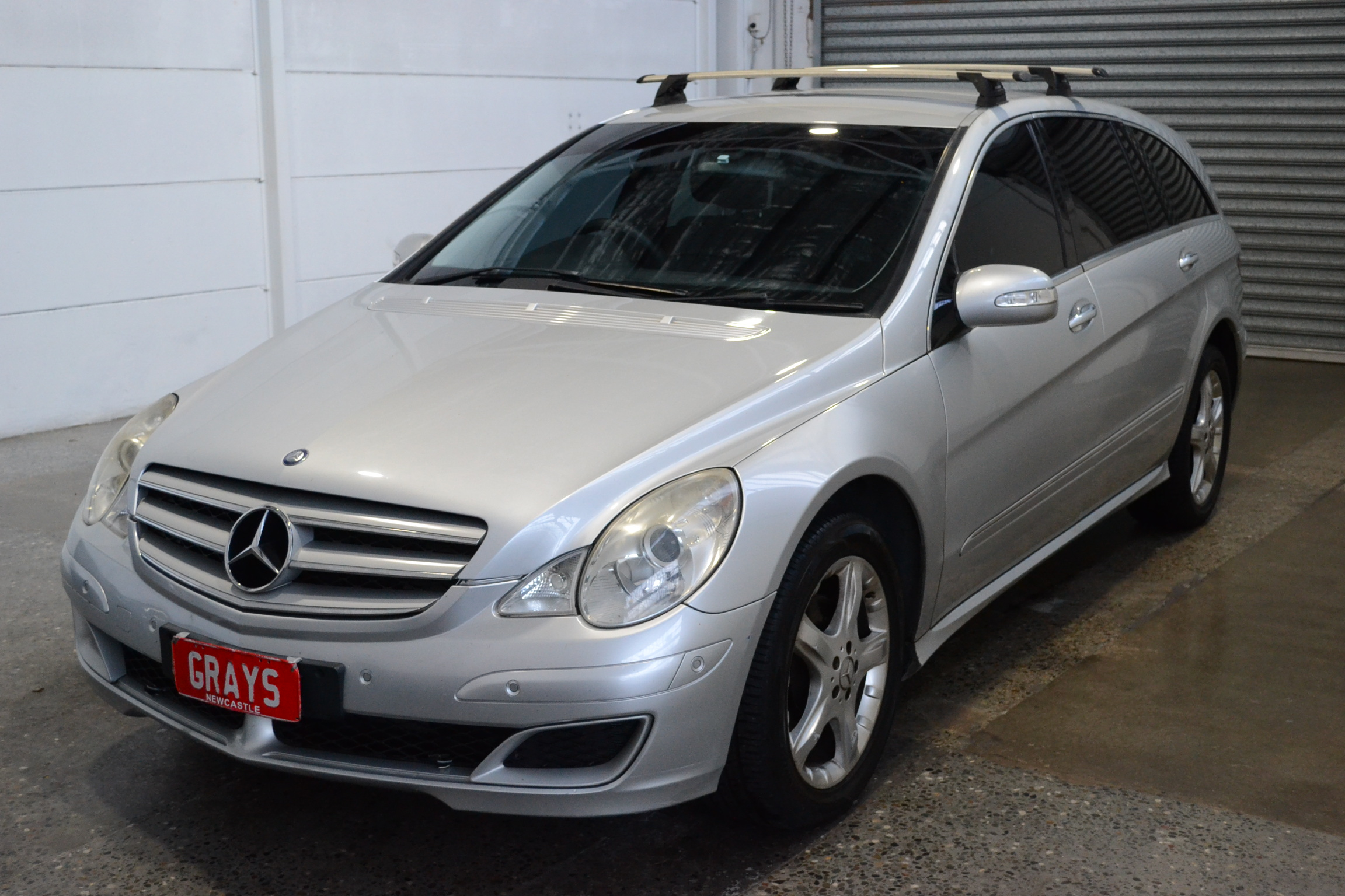 Mercedes R 320 Auto 7 Seats People mover