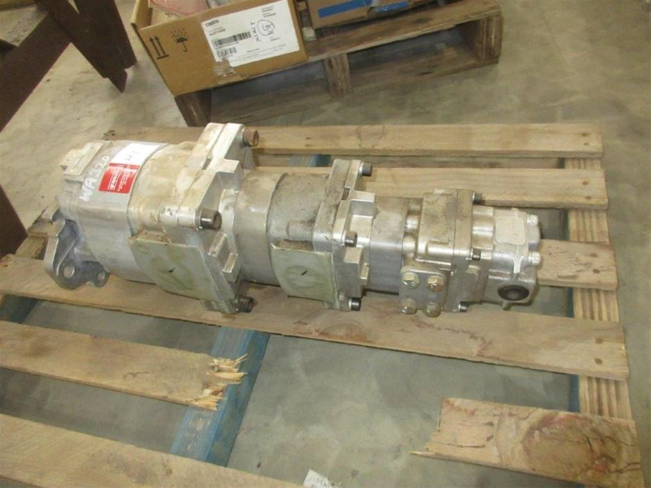 1 x Komatsu WA320 Hydraulic Pump (Reconditioned)