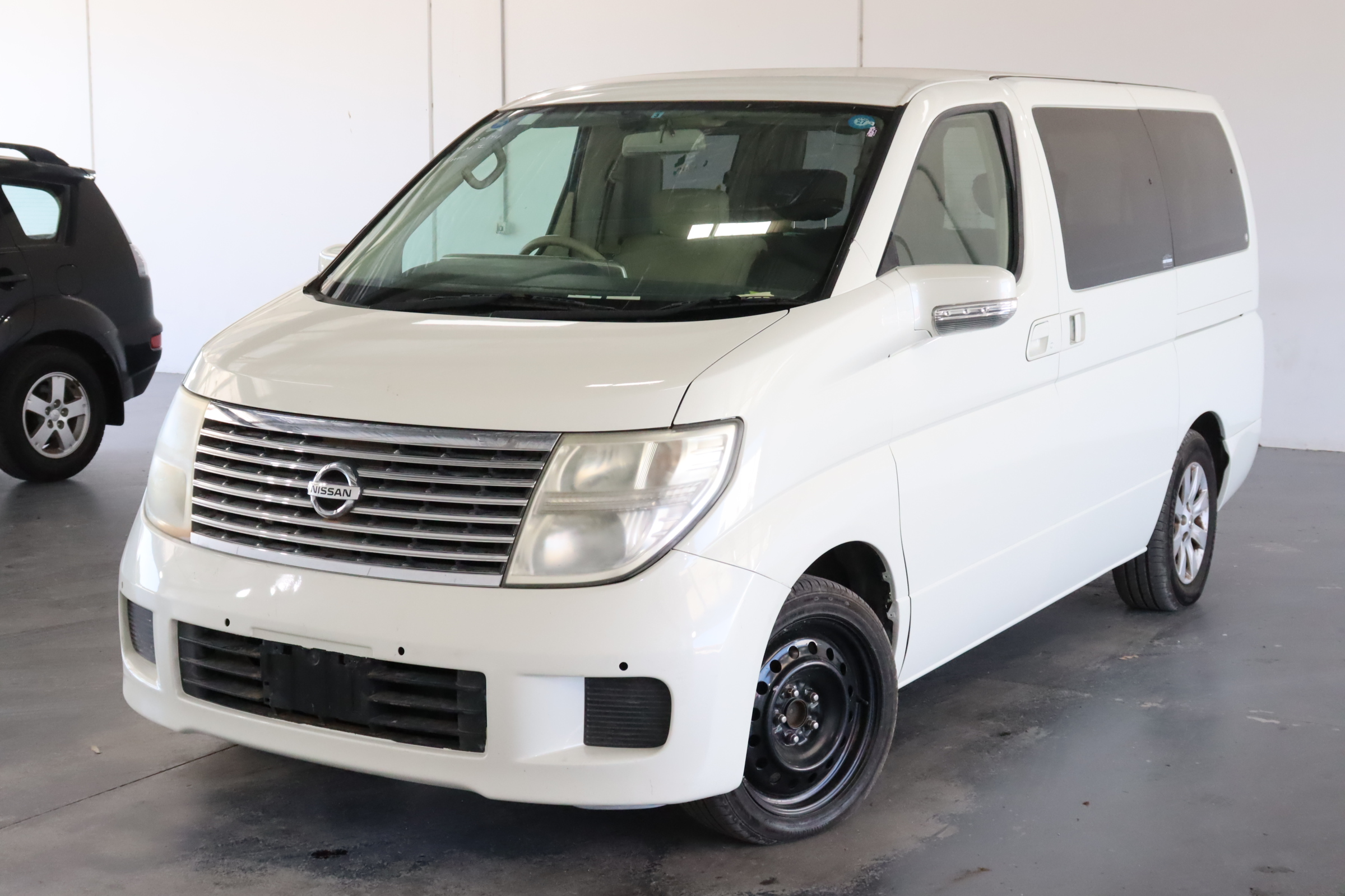 2006 Nissan Elgrand Automatic 7 Seats People Mover