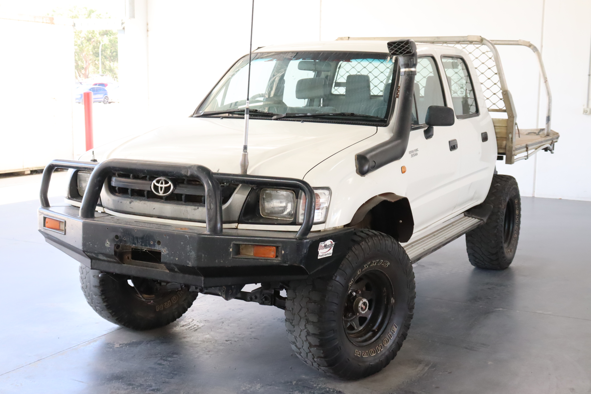 2004 Toyota Hilux (4x4) Turbo Diesel Manual Dual Cab