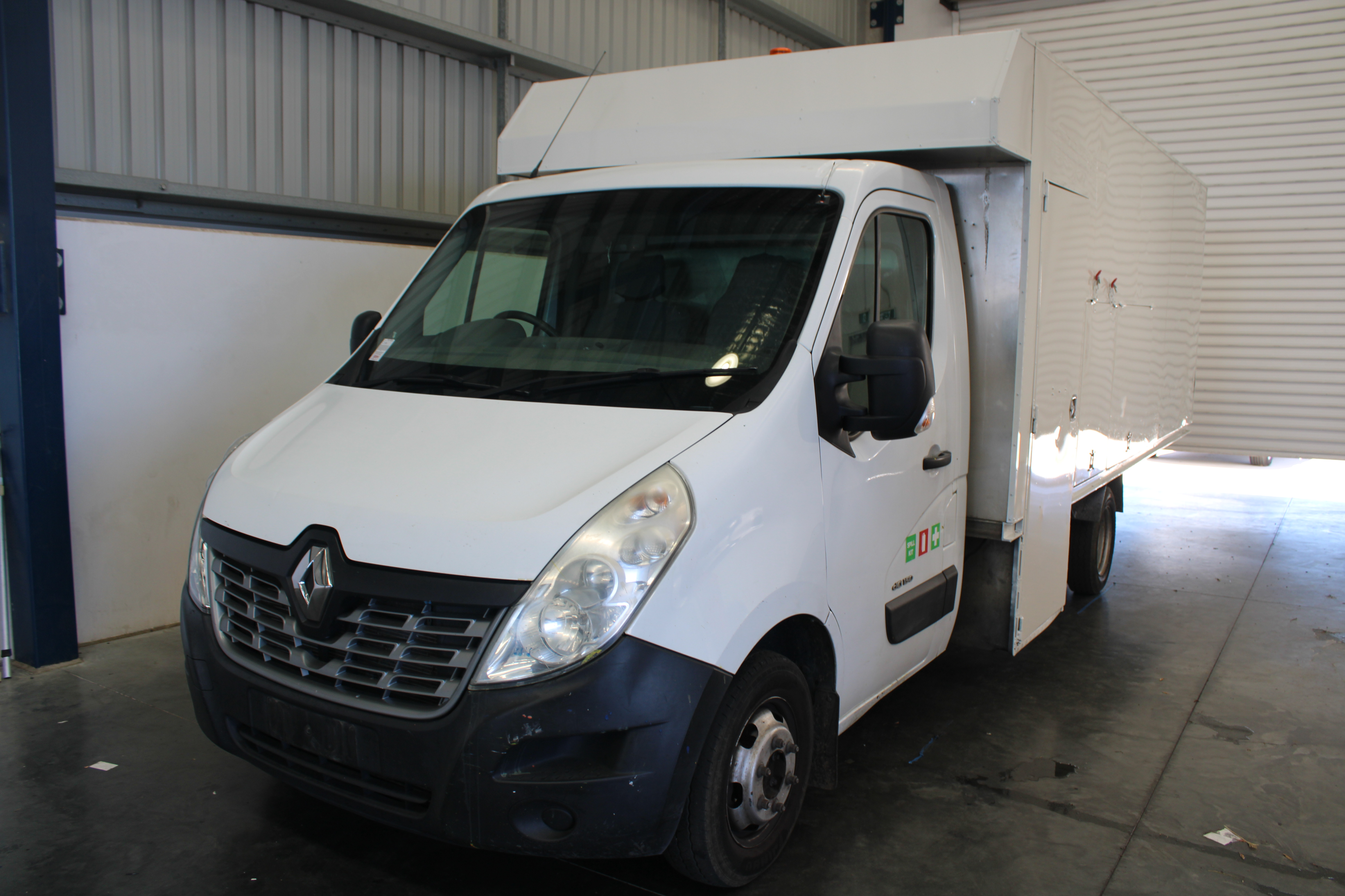 2015 Renault Master LWB L4 Turbo Diesel Automatic Cab Chassis