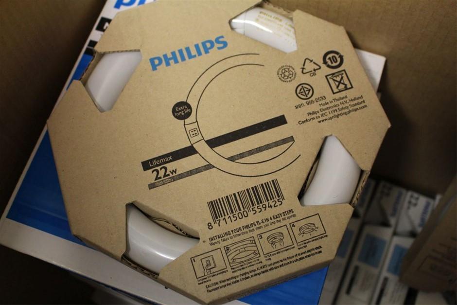 2 X Philips Lifemax Circular 1250 Lumen