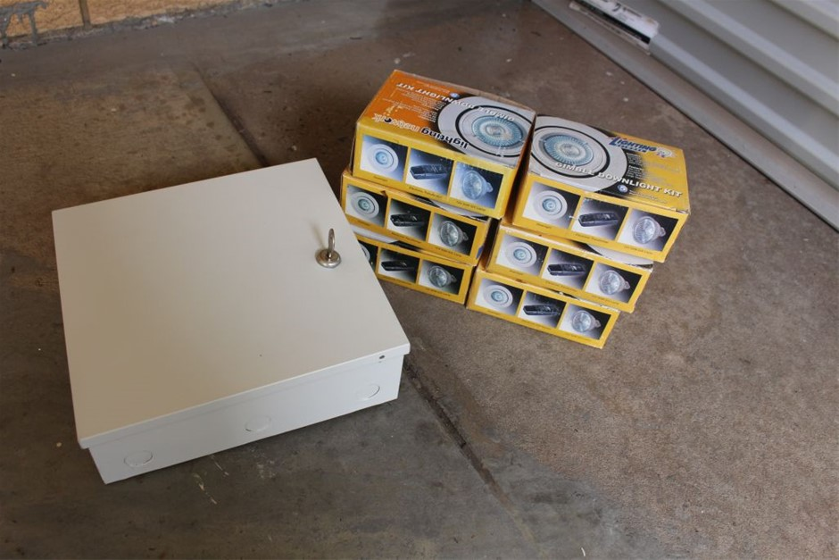 lot of 6x Downlights and 1 Alarm Panel