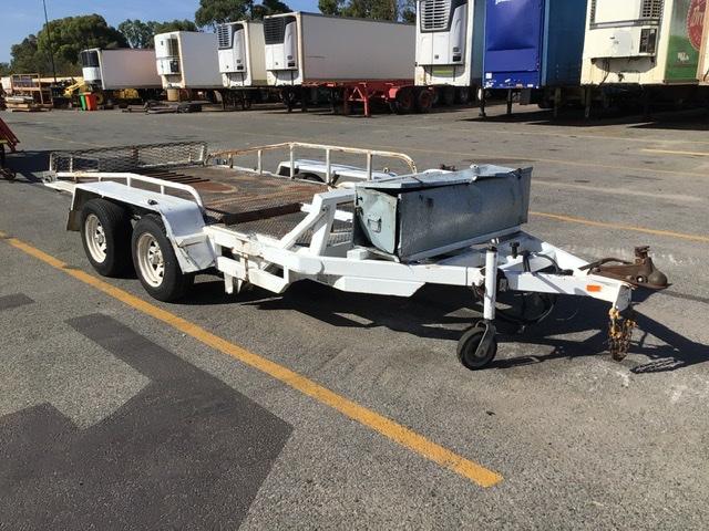 2011 Custom Hydraulic Tilt Machinery Trailer