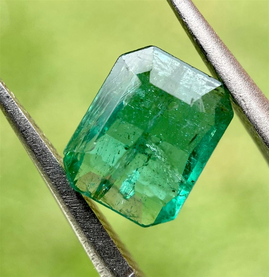 1.30 Carats Lovely Emerald