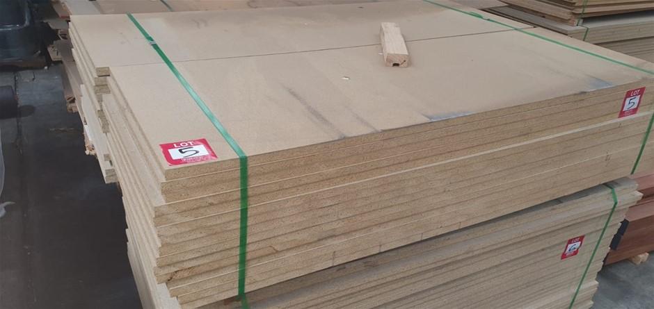 Flooring Particleboard : 1800 x 600 x 25mm. Total = 30 pcs