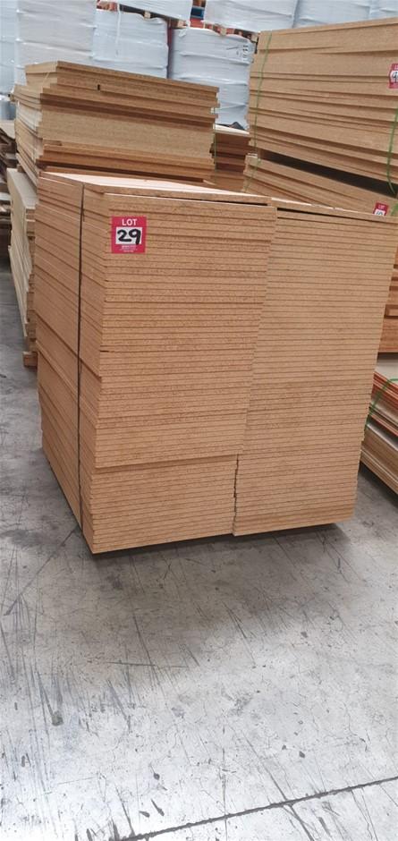 Flooring Particleboard 900 x 500 x 19mm . Total : 124pcs