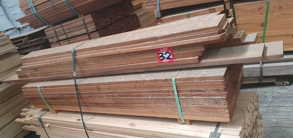Pack of various size cedar timber