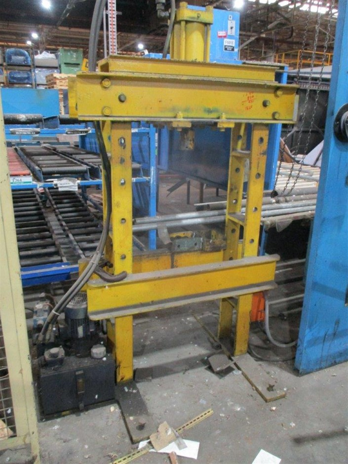 Hydraulic Press with Power Pack