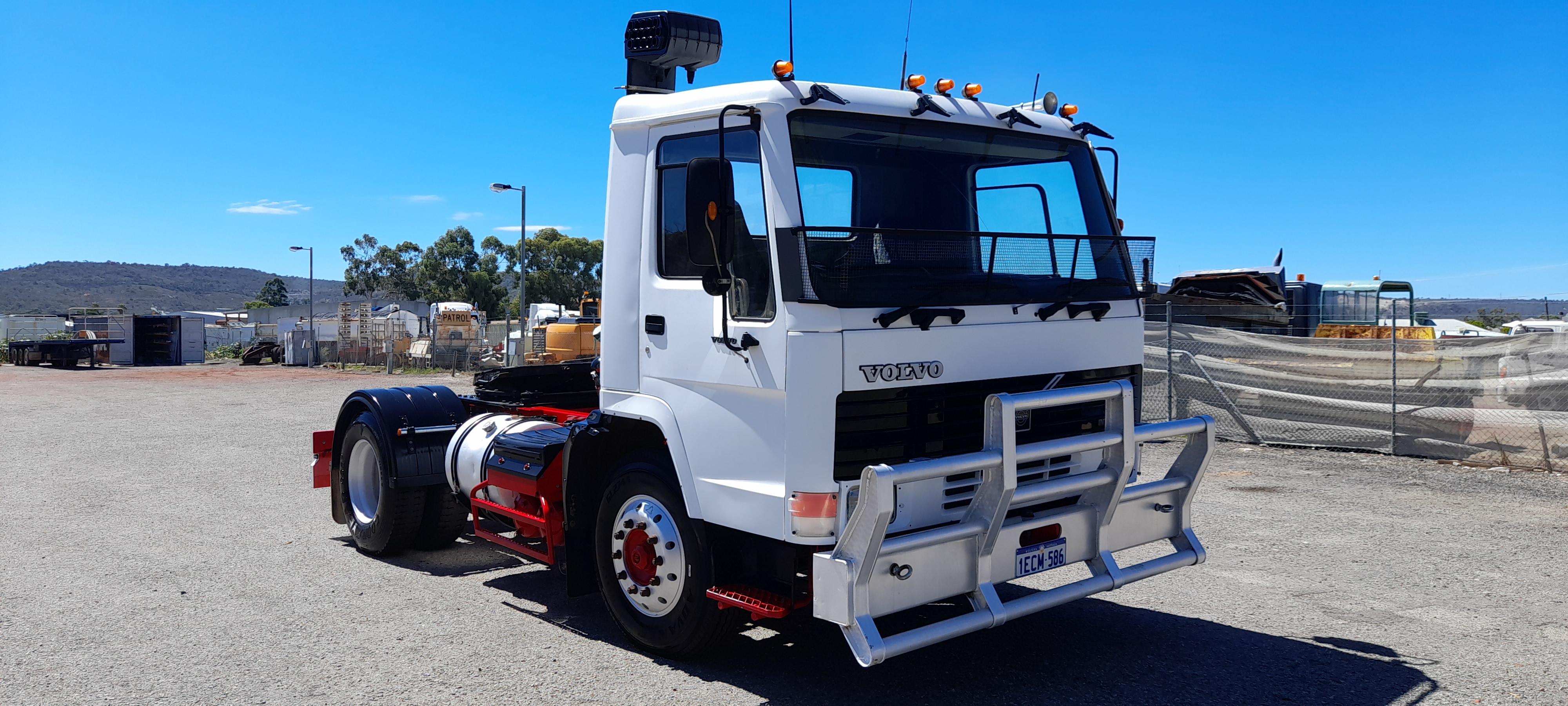 1990 Volvo FL10 4 x 2 Prime Mover Truck