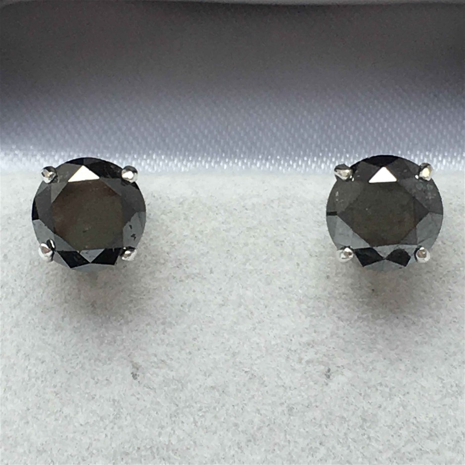 9ct White Gold, 5.30ct Diamond Earring