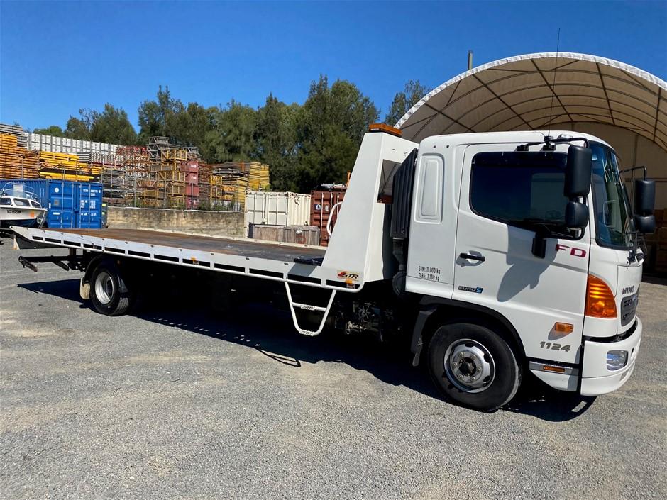2017 HINO FD 500 1124 4 x 2 Tilt Tray Truck