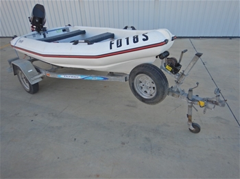 2005 MAC 360 Poly Powerboat