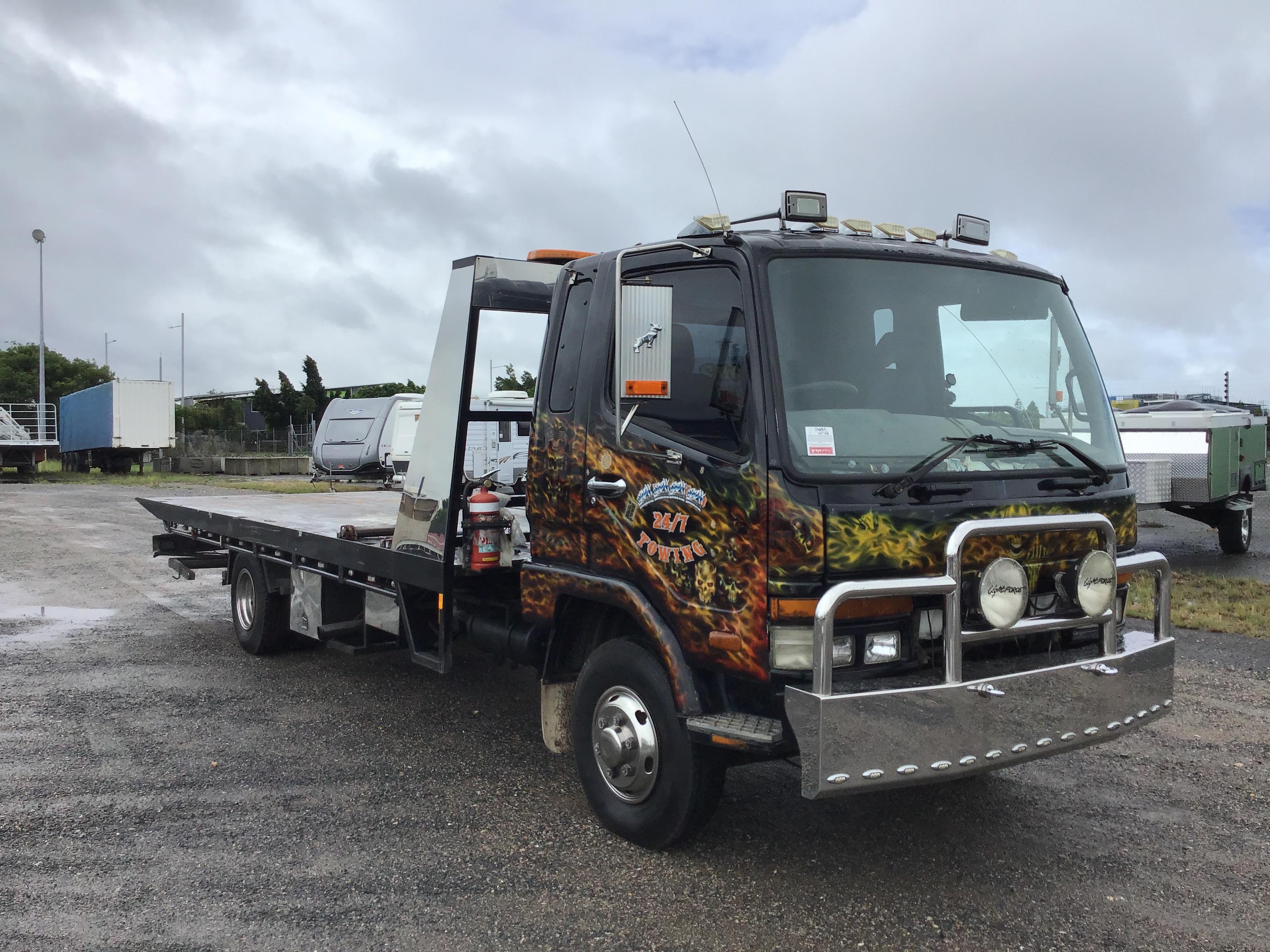1985 Mitsubishi FK 4 x 2 Tilt Tray Truck