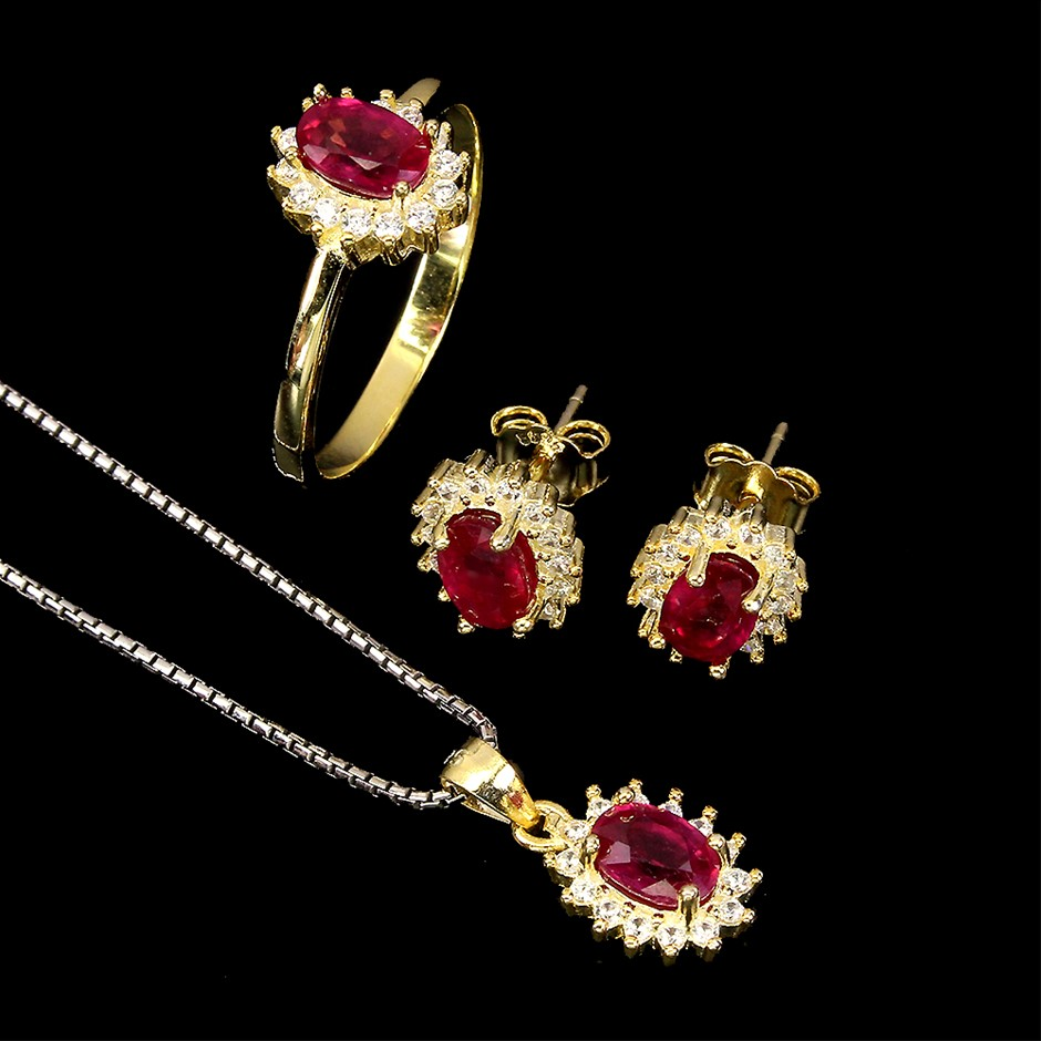 Gorgeous Genuine Ruby Earrings Necklace & Ring Set.