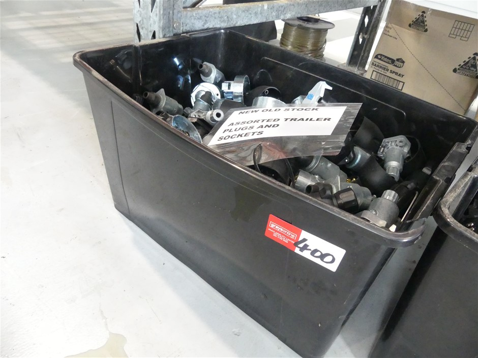 Large Qty of Trailer Plugs and Sockets