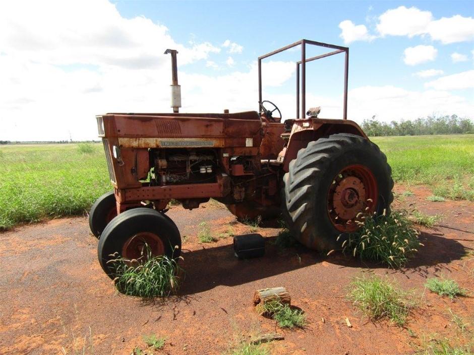 International 866 Tractor
