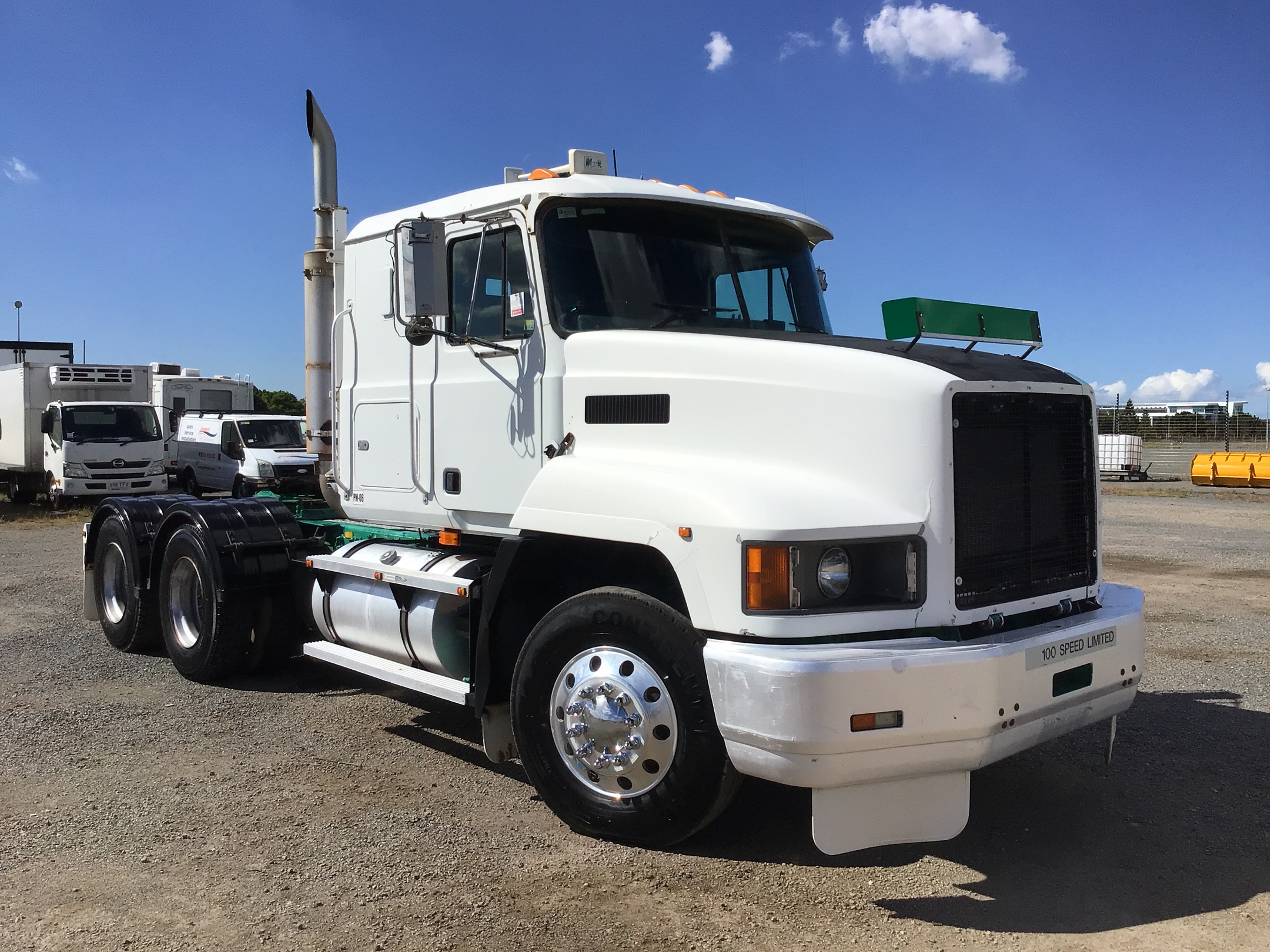 2002 Mack CH 6 x 4 Prime Mover Truck (Hydraulics)