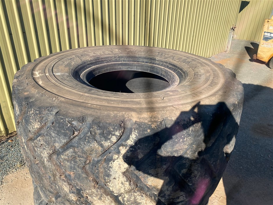 5x Michelin 875/65 R29 Loader Tyres