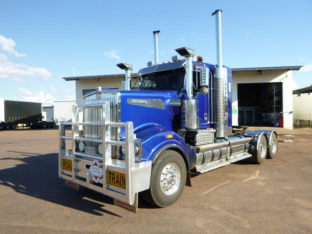 2011 Kenworth T909 6 x 4 Prime Mover Truck
