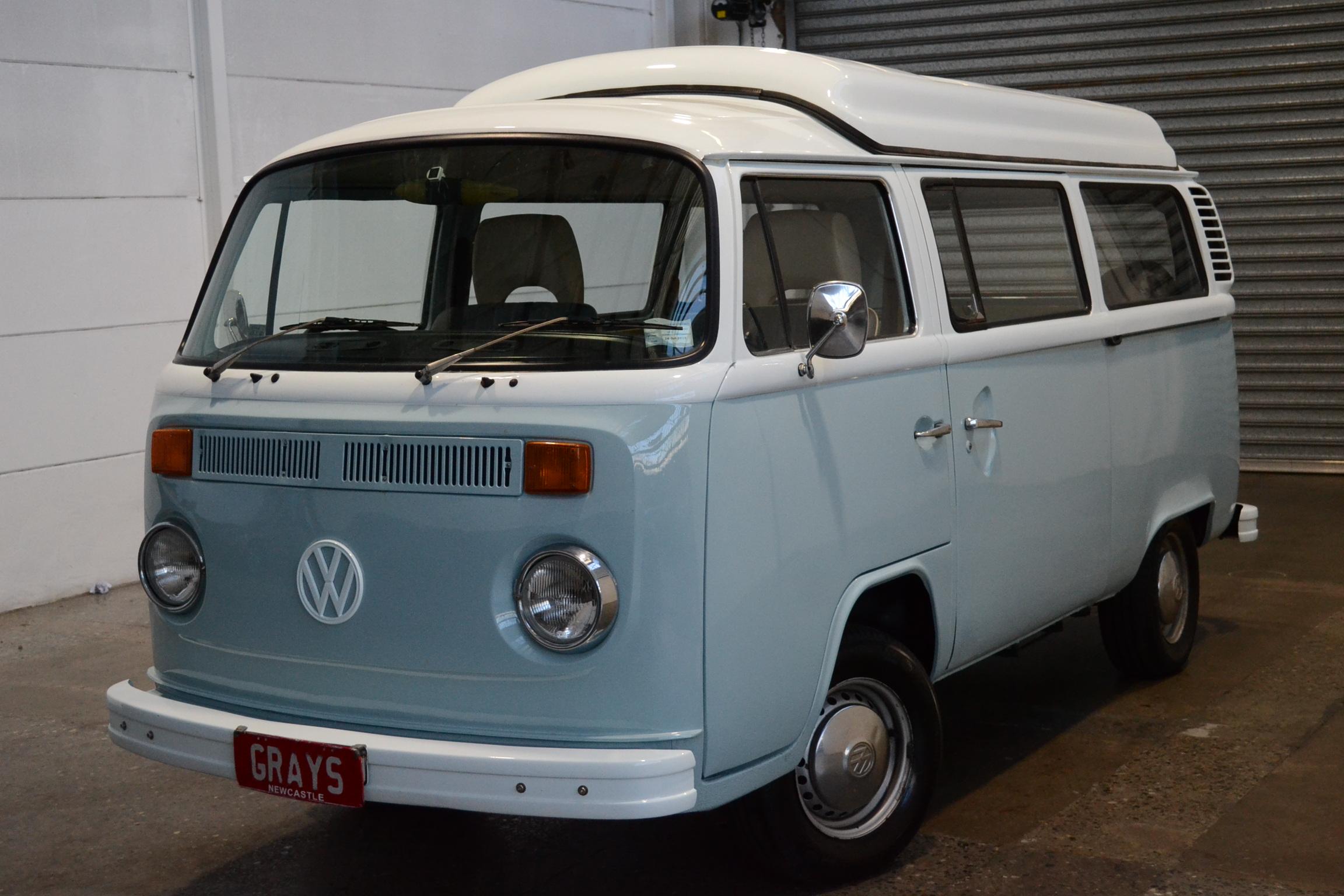 1974 Volkswagen Kombi Auto Van