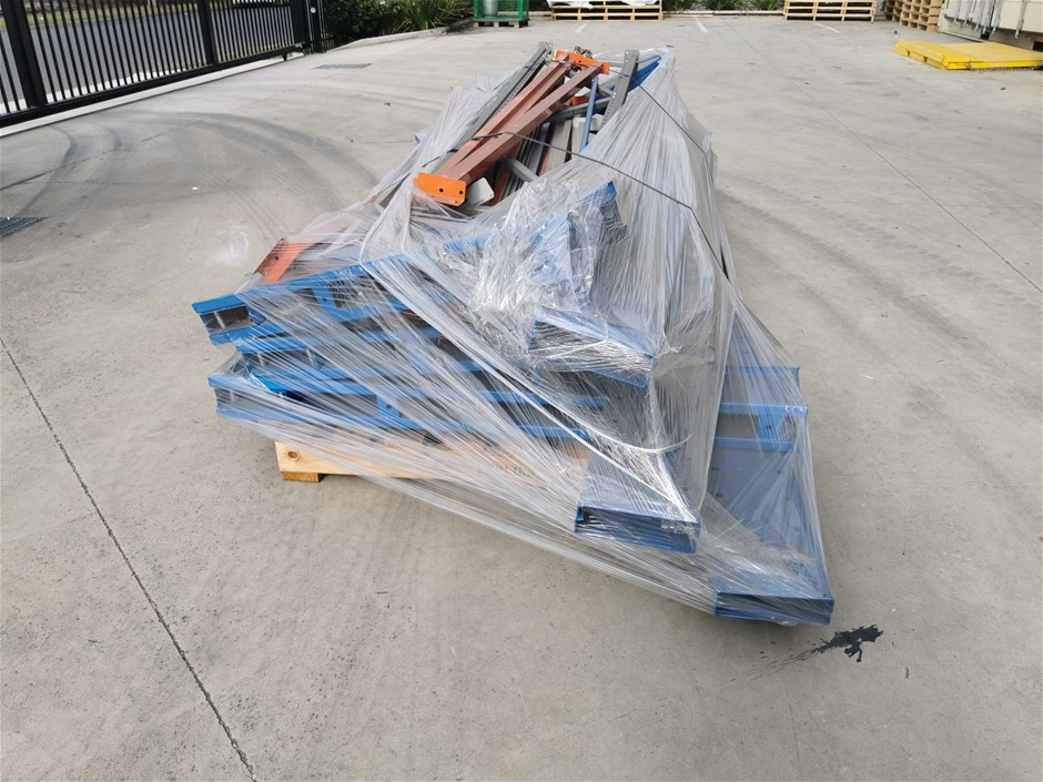 Assorted Cantilever Racking Items
