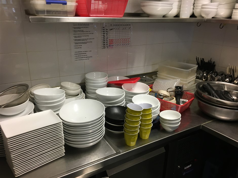Bulk Qty Catering Bowls, Plates, Utensils & Stainless Steel Bowls