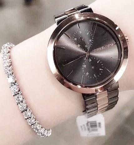New Michael Kors couture Garner ladies very sophisticated watch.