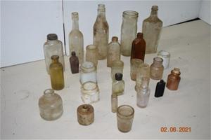 Lot of 15 Antique / Vintage Glass Bottle
