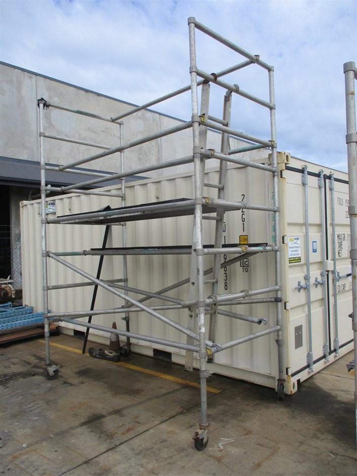 Qty 1 x Aluminium Mobile Scaffold