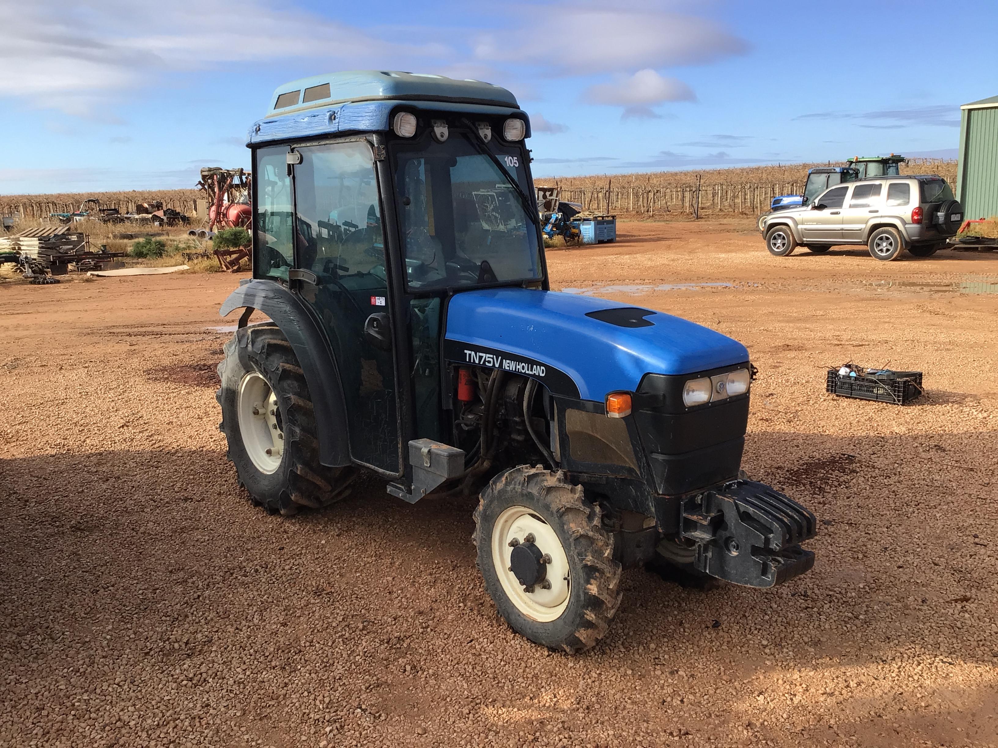 New Holland TN75V Tractor