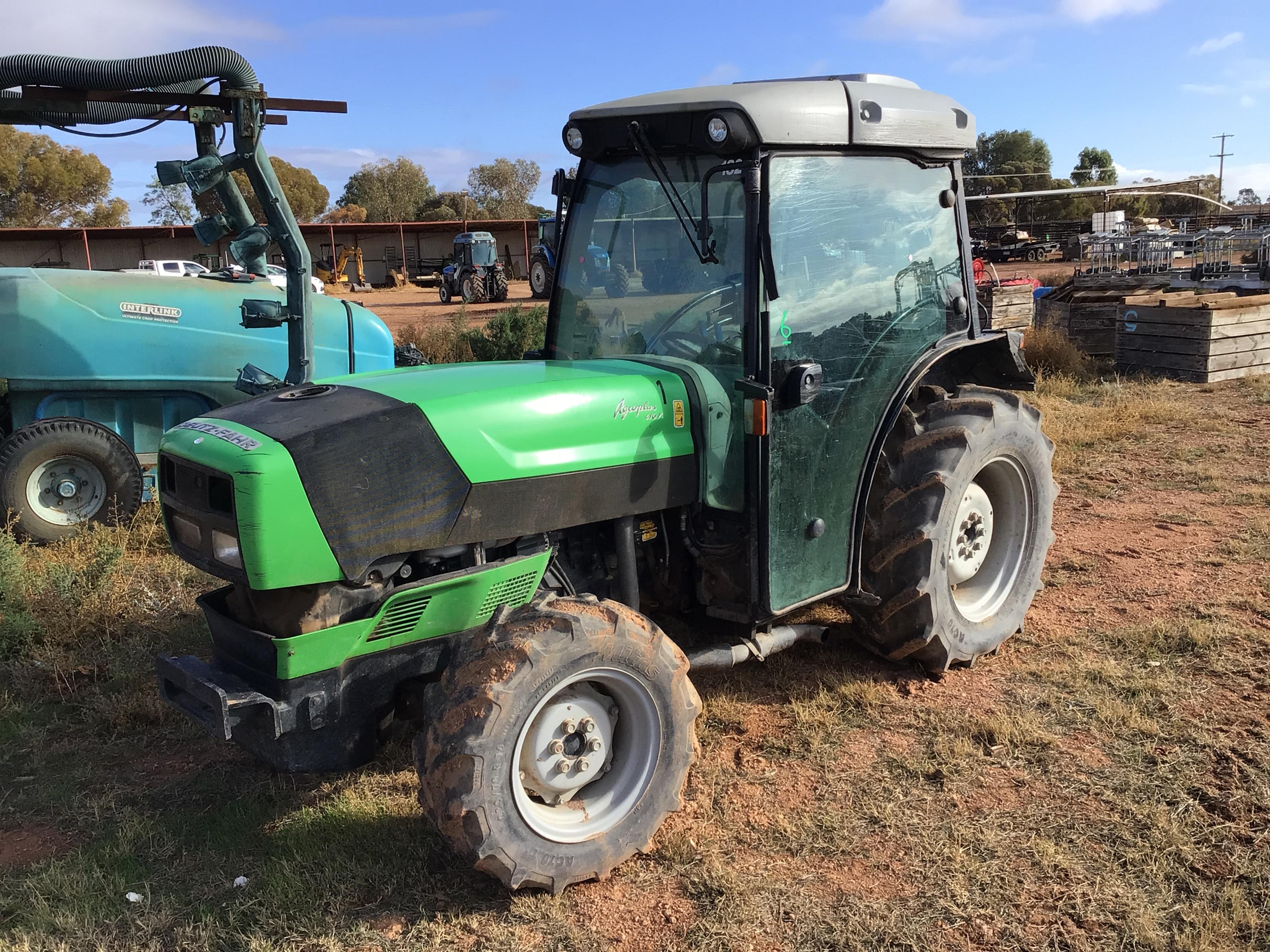Deutz - Fahr 410F Tractor