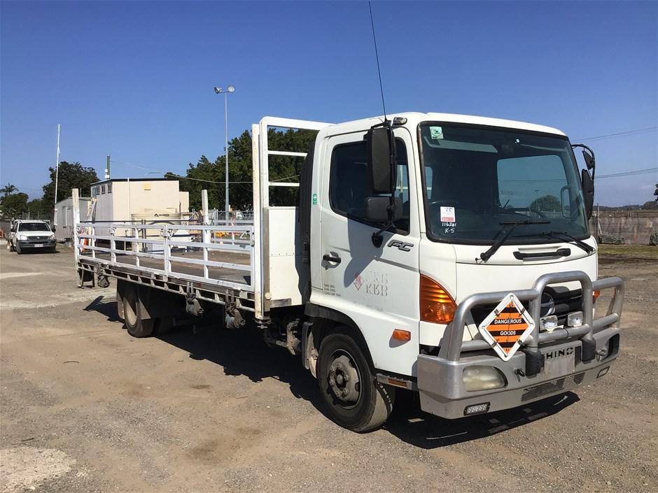 2006 Hino FC 4 x 2 Tray Body Truck